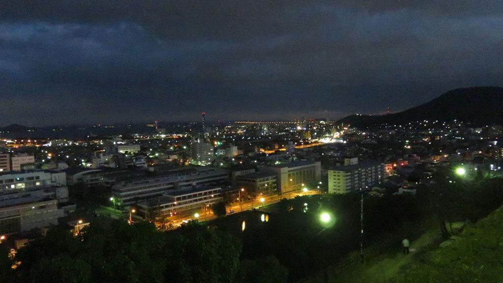 丸亀城からの夜景