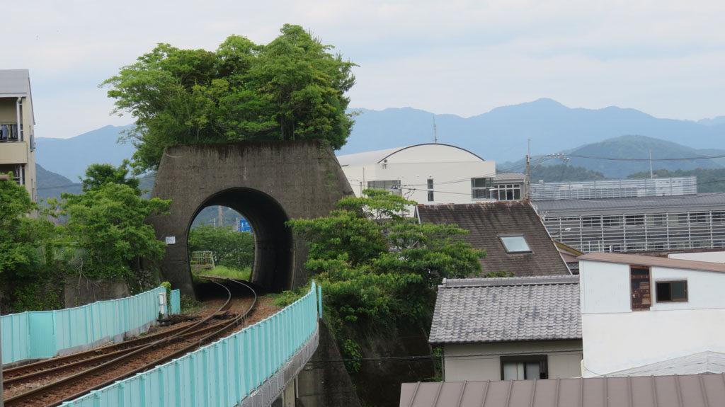 海部駅の純粋トンネル